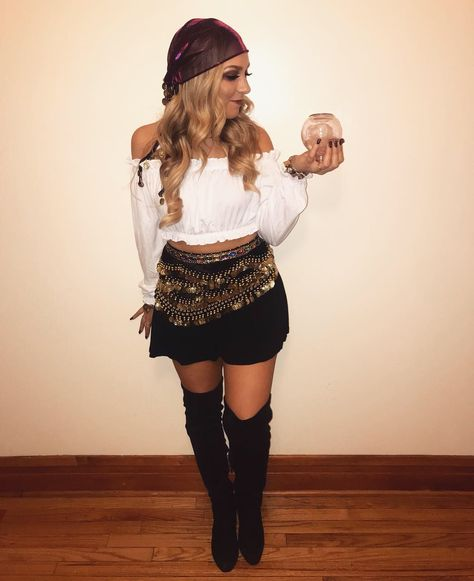 Sexy college halloween costume  ideas