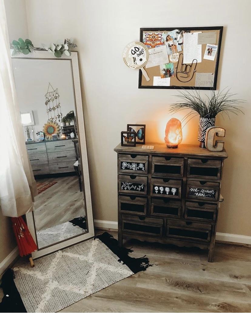 unique college apartment decor
